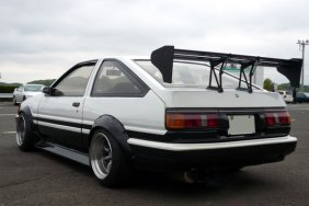 AE86 Levin Hatch Panda F and R 15-9.5 -19 Tires 205-50-15 view 3